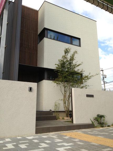 家の良さを壊さない外構デザイン