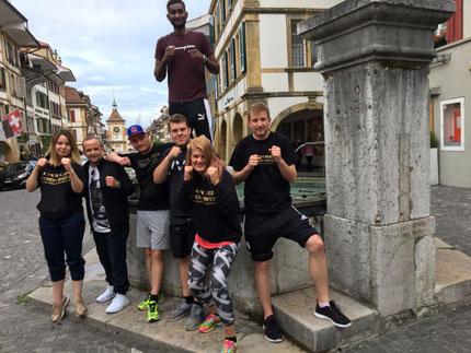 Marco und Bernie (Coachs) mit Virginia, Nicolas, Swissan, Yvonne, Michael BOXING TEAM ITTIGEN 3. LC-CUP 2018, 09.06.2018 La Chaux-de-Fonds (6 Kämpfe / 6 Siege)