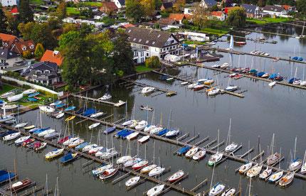 Blick über den Bootshafen