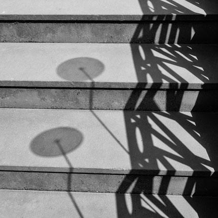 Schatten auf Treppe