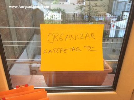 marcate un objetivo grande cada día y escríbelo en un post it a la vista - AorganiZarte.com