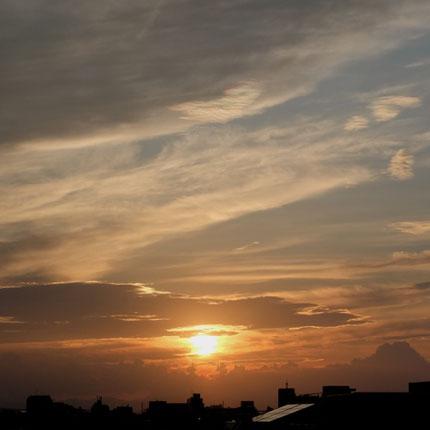 Sunset : 九月中旬の空と夕日