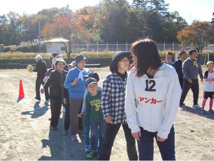 千厩 清田 第12区自治会 「第43回清田地区民運動会」での12区チームの様子 平成31年11月撮影