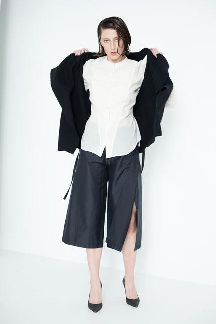 innovativ: zero-waste Bluse aus weißer Bio-Baumwolle