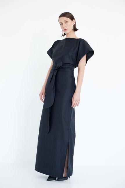 elegant: langes Abendkleid aus Bio-Satin gefertigt in Berlin
