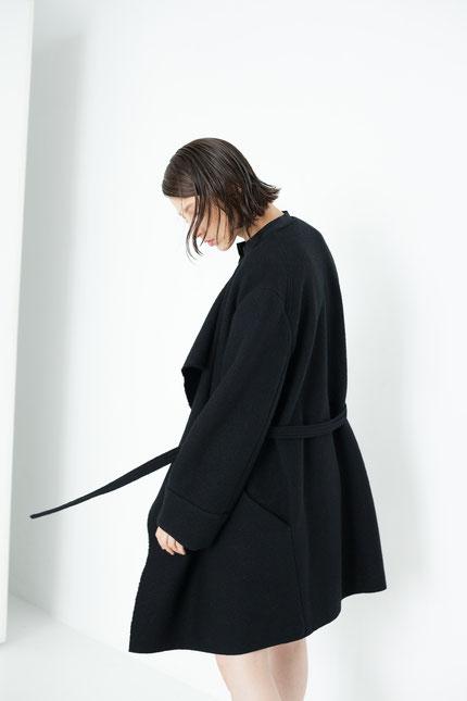 elegant: schwarzer Wollmantel aus Bio-Wolle