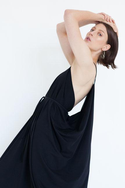 elegant: langes Abendkleid aus schwarzer Bio-Baumwolle