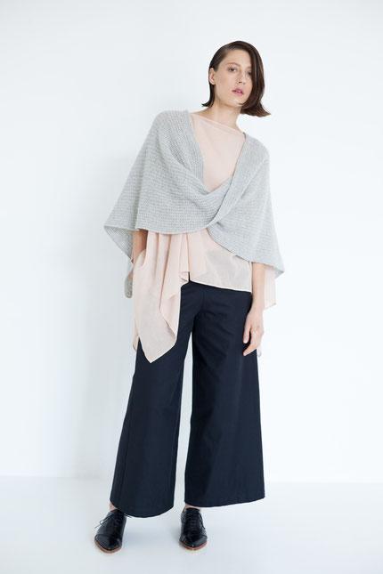 elegant: gerade zero-waste Hose aus schwarzer Bio-Baumwolle