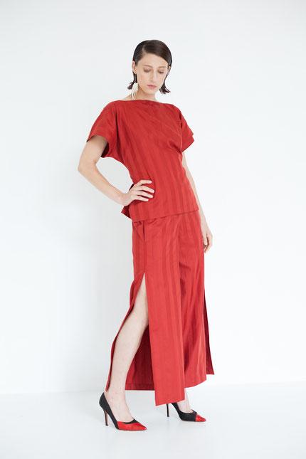 elegant: zero-waste Sommerhose aus roter Bio-Baumwolle
