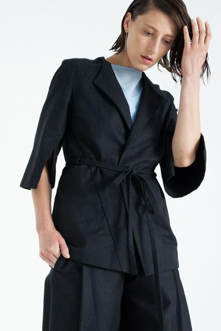 modern: schlichter, zero-waste Blazer in schwarz