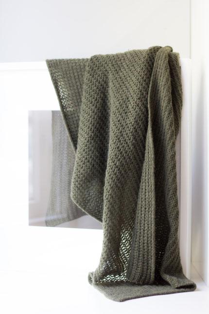 zeitlos: schlichter Strickschal mit recyceltem Kaschmir