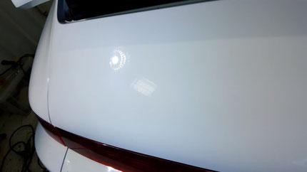 ポルシェ964のチョーキング 白ソリッドの磨き・コーティング 、埼玉の車磨き専門店