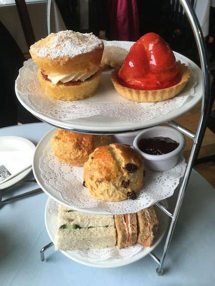 Afternoon Tea im Willows Tea Room in Glasgow
