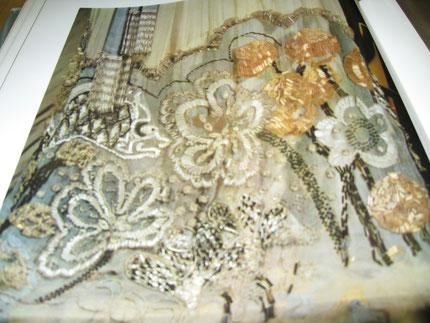 платье 19 века  мастерской Н.Ламановой сшито из шифона и тафты, отделка стеклярусом, бисером вышивка шелковыми нитками