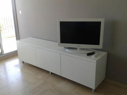 Meuble télé laqué blanc