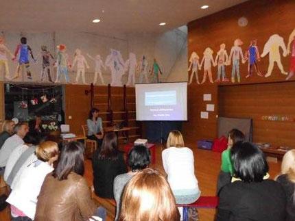 Vortrag zum Thema Prävention mit Roswitha Hafen im Kindergarten St. Johann, organisiert über das Eltern-Kind-Zentrum.