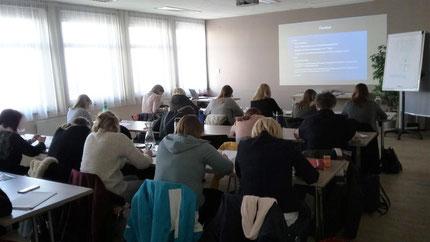 """Seminar """"Sinneswahrnehmungen"""" mit Roswitha Hafen für die Pädagoginnen vom Land Steiermark, mit 20 TeilnehmerInnen ausgebucht!"""
