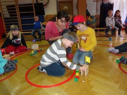 Projekt Zahlenland 1 im heilpäd. Kindergarten Köflach mit Roswitha Hafen, gesponsert von Licht ins Dunkel