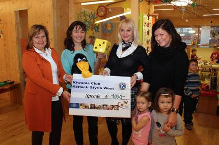 Kiwanis spendet 1000 Euro für das Projekt Zahlenland 1 im Kindergarten Stallhofen