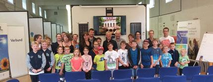 Ausflug des Vereines Schultüte gemeinsam für Kinder und Eltern im Wasserkraftwerk Arnstein, ermöglicht durch Dipl.- Ing. Dr. Schwarz, Energieforum Lipizznaerheimat.