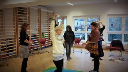"""30.11.2018: Seminar """"Entenland 2"""" Teil 2 für Kindergartenpädagoginnen, im Kindergarten in der Kapellenstraße in Graz, durchgeführt von Roswitha Hafen, finanziert und organisiert von der Abteilung für Bildung und Integration der Stadt Graz."""