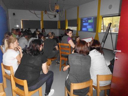 """Vortrag: """" Lesen, Rechnen und Schreiben lernen, bitte ohne Schwierigkeiten"""" im Kindergarten Gratkorn mit Roswitha Hafen, finanziert durch den Elternbildungsgutschein von Zwei und Mehr vom Land Steiermark."""