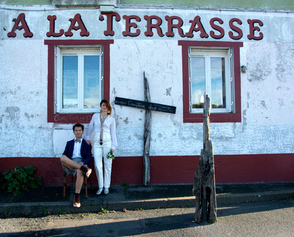 Envie de nouveauté, de changer de look, d'avoir du style et d'être fashion,... Découvrez la nouvelle marque française de vêtement pour homme, sous les jupes des Hommes. Confectionnez à Nantes, vous trouverez en boutique des kilts écossais pour homme.