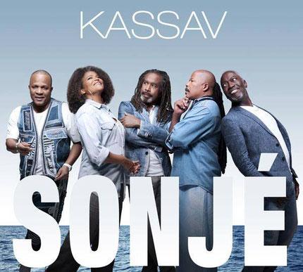 Styling sur la couverture du dernier album du groupe Kassav.( Photo  Xavier Dollin)