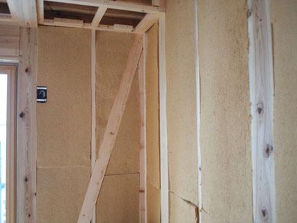 壁面ウッドファイバー施工状況 奈良町