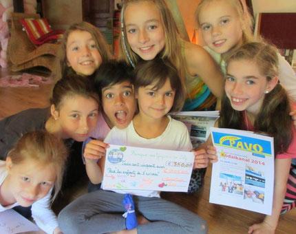 """Sept 2014 - 3ème chèque de 350 euros pour """"Enfants de l'univers"""""""