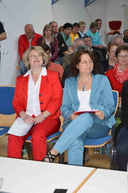 von links: Frau Rita Hagl-Kehl, Frau Ruth Müller