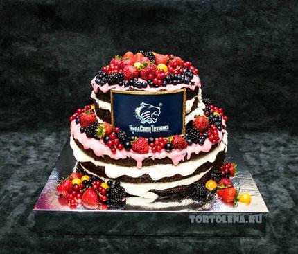 Торт Ягодный День Строителя.   Вес 8 кг.   Насыщенный шоколадный бисквит, сливочно-творожный крем.