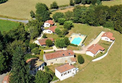 grand-gite-accueil-groupes-locations-vacances-Lot-maisons-piscine chauffée-midi-pyrénées Occitanie-France-Europe