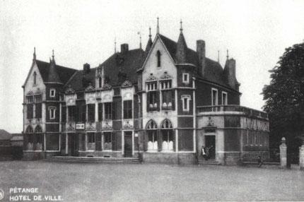 +- 1928 - Hôtel de Ville