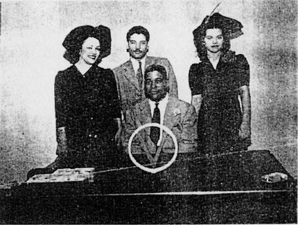 Madre de Clarissa Perea, Daniel, Clarissa y Don Pedro Flores - San Juan, 1941.