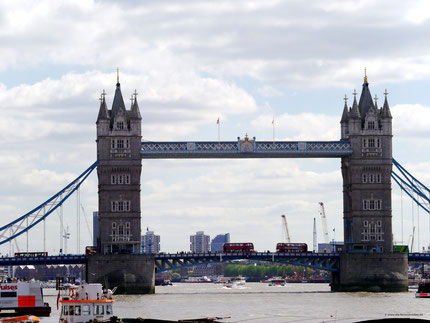 "Erstes Ziel in ""London-City"": Tower-Bridge"