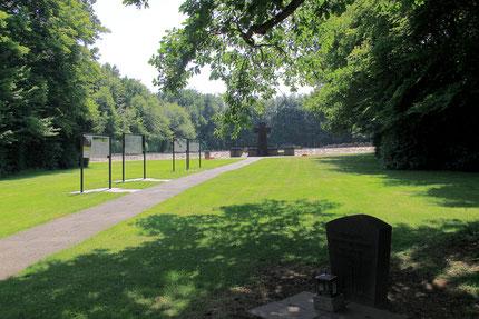 Die Kriegsgräberstätte Vossenack mit neuen Informationstafeln im Juli 2015