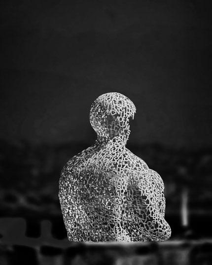 Mateo Brigande, La galerie de Mateo, bronze, buste, cariatide, marbre, statuette, boiserie, moulure, ornement, figurine, Antibes, Jaume Plensa, mots, Le nomade, armature, mots