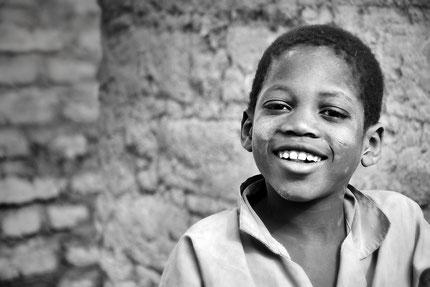 Mateo Brigande,La galerie de Mateo, portrait, portraits, profil,visage, figure, noir et blanc, frimousse, face, enfant, sourire,