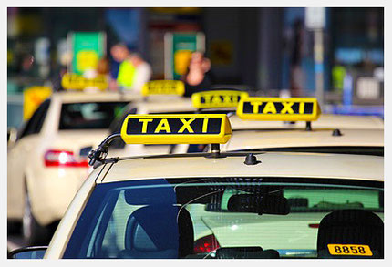 Taxi Ortung mit GPS; Nachrüstung modernster Ortungslösungen für alle Taxi Fahrzeugtypen und Taxi Fahrzeugklassen