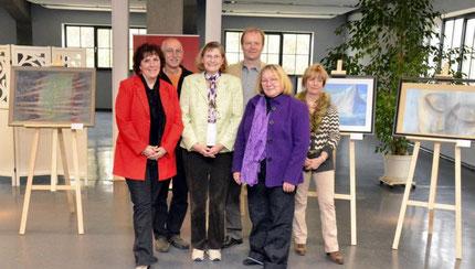 Anette Fischer, Detlef Fachinger, Renate Fachinger, Bürgermeister Bernd Hartmann, Gesilla Tietze, Brunhilde Butzbach (von links) Foto © Volkwein