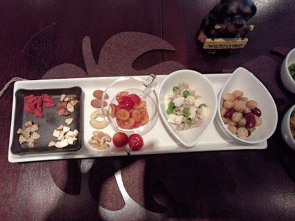 触感も楽しいナッツや薬膳材料のクコの実、大人気の麻婆豆腐