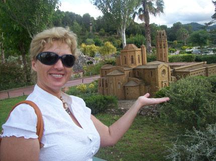 парк каталония в миниатюре, парк миникаталония, экскурсия в парк каталония в миниатюре, поездка в миникаталонию, индивидуальные экскурсии в барселоне с русскоязычным гидом, частный русский гид в барс
