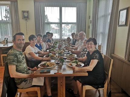 Betriebsausflug Tavola-Team Mittagessen im Restaurant Hotel Wolfensberg in Degersheim