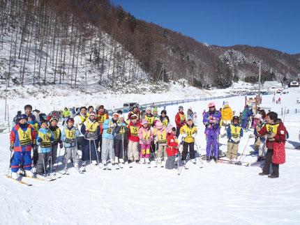 昨年度の木曽福島スキー参加者の皆さん全員で。