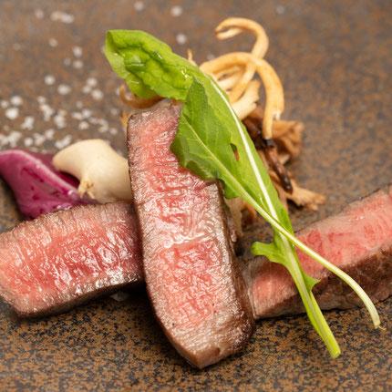 県内でしか流通しない希少な能登牛。上質な旨味が特徴です。
