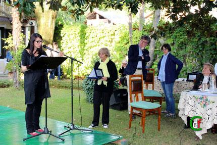 Elena Canone interpreta una poesia di Lidia Chiarelli (foto Cesare Dellafiore)