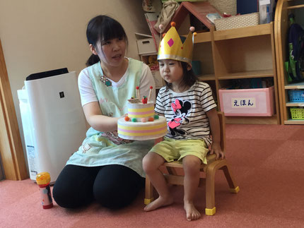 今日は、ほしぐみのうみちゃんのお誕生日会をしました。うみちゃんは、7月10日で3歳になりました。