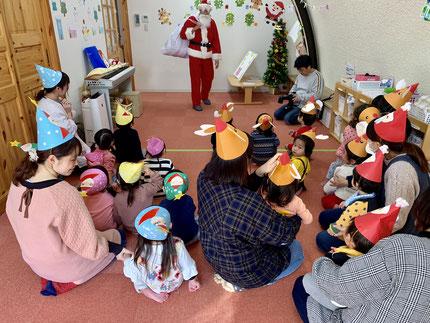 保育園にも、サンタさんが来てくれました。