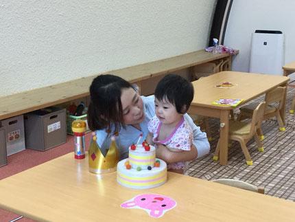 今日は、そらぐみさんのかすみちゃんのお誕生日会。かすみちゃんは、5日で1歳になりました。